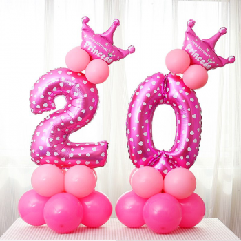 Цифра на подставке Розовая с короной