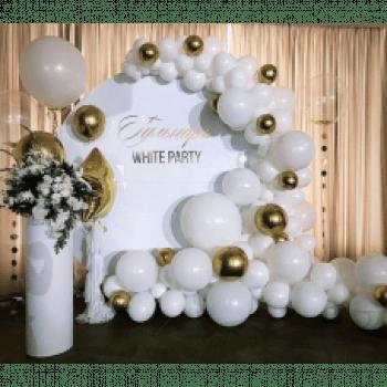 Круглая фотозона из шариков на Свадьбу